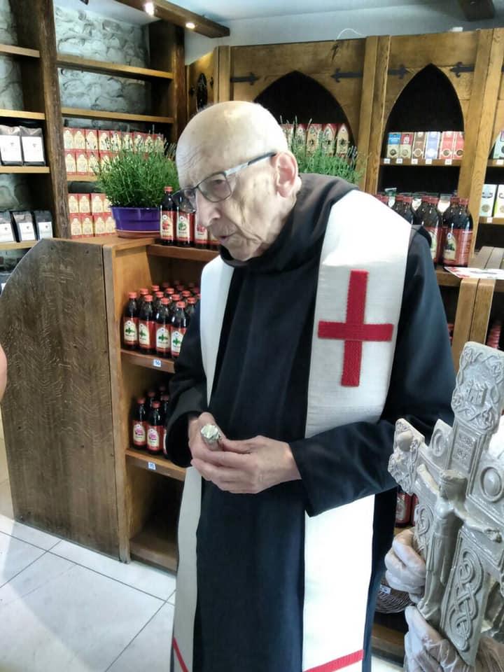 o. Leon_otwarcie sklepu klasztornego